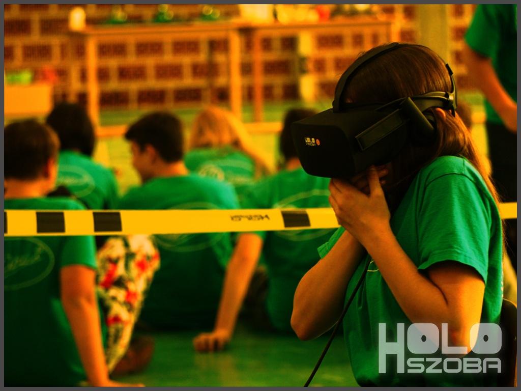 Holofedélzet - Iskolai kitelepülés