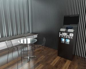 Holofedélzet - Holodesk VR bemutató pult